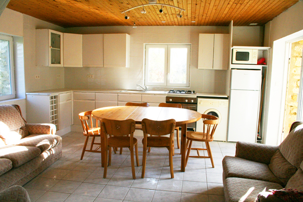 Vendee Gite with Heated Swimming Pool, Sapin